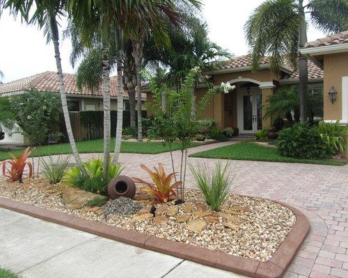Houzz low maintenance landscaping design ideas remodel for Low maintenance tropical landscaping