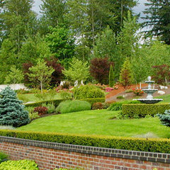 traditional landscape by Bear Creek Landscaping , LLC