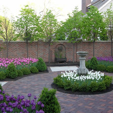 Traditional Landscape by Premier Service