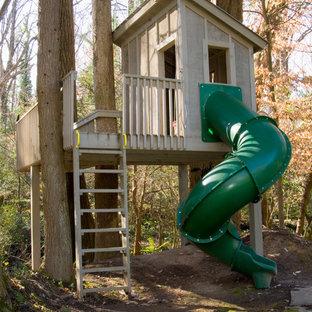 Foto de jardín clásico con parque infantil