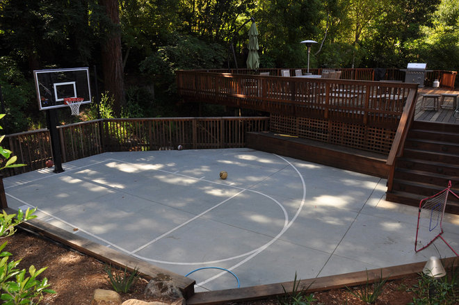 Be a good sport build a backyard basketball court for Backyard sport court ideas