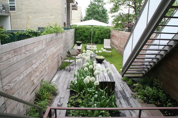 Minimalistisch Garten by Little Miracles Designs