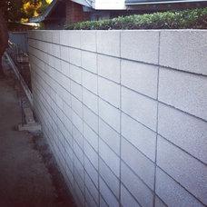 Modern Landscape Stack bond precision block wall