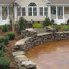 Traditional Landscape by Harmony Design Northwest