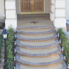 Traditional Landscape by Pebble Stone Coatings