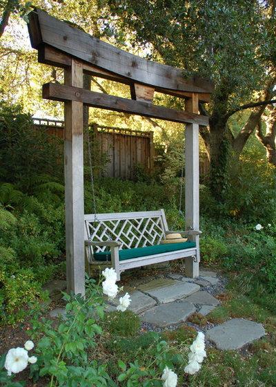 Klassisk Trädgård by Richard Kramer