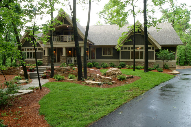 Traditional Landscape by Landsted Companies, LLC