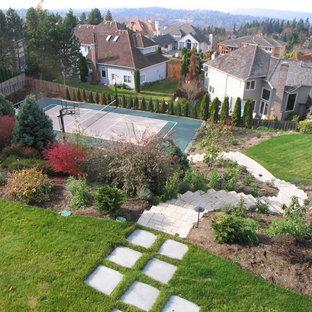 Moderner Garten mit Sportplatz in Seattle