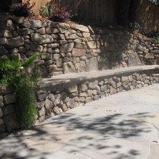 Eclectic Landscape by Gardens & Gables