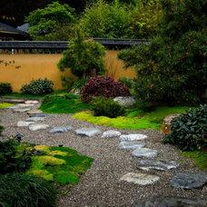 Asian Landscape by Facciuto Landscape Design & Construction