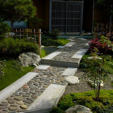 Asian Landscape by Facciuto Landscape Design & Construction