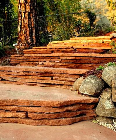Modern Landscape by Mariposa Gardening & Design Cooperative, Inc.