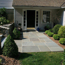 Traditional Landscape by PetrowGardens Landscape Design