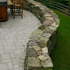 Traditional Landscape by Keim Landscape Consulting