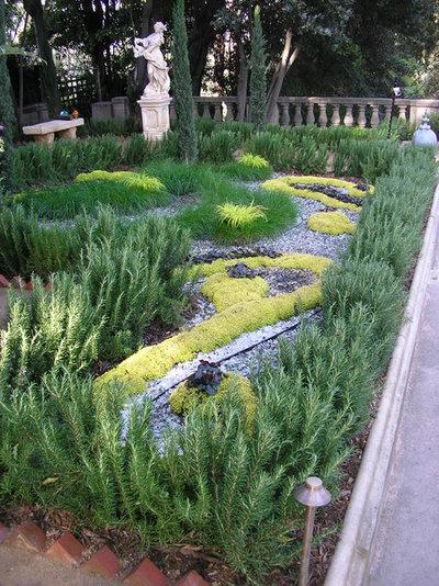 Mediterranean Garden by FormLA Landscaping