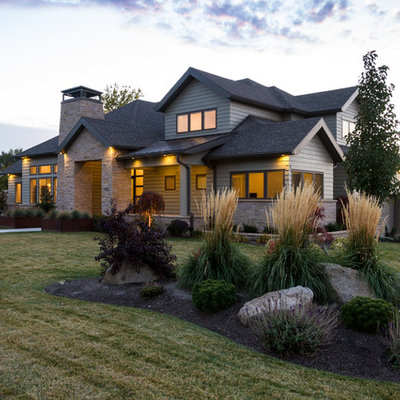 Inspiration for a transitional front yard landscaping in Salt Lake City.