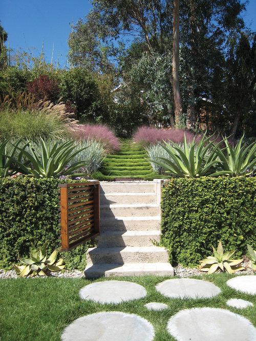 Jardin moderne avec des pav s en b ton photos et id es d co de jardins - Photo de jardin moderne ...