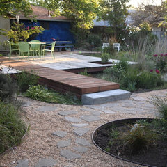 contemporary landscape by Luciole Design Inc.