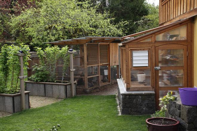 Eclectic Landscape by Lovinger Robertson Landscape Architects