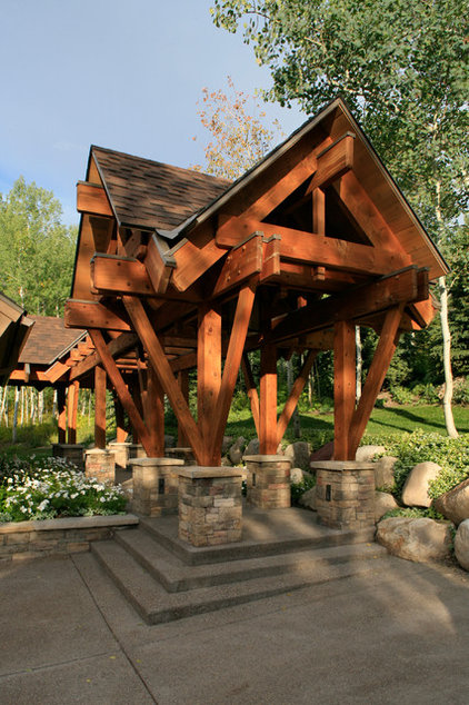 Contemporary Landscape by Manchester Architects, Inc.