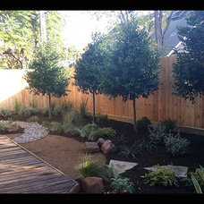 Rustic Landscape by Easy Landscape Plan, LLC