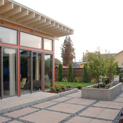 contemporary landscape by Alan Mascord Design Associates Inc