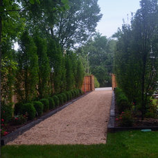 Traditional Landscape by Pristine Acres