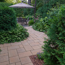 Traditional Landscape by Gelderman Landscape Services