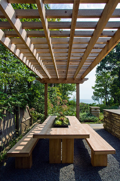 Modern Landscape by The Garden Consultants, Inc.
