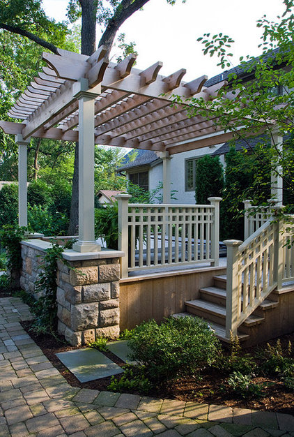 Traditional Landscape by The Garden Consultants, Inc.