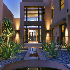 Contemporary Landscape by Danielian Associates Architecture + Planning