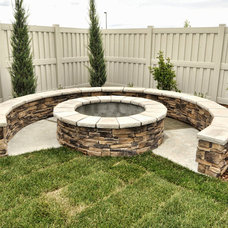 Traditional Landscape by Coleman Homes
