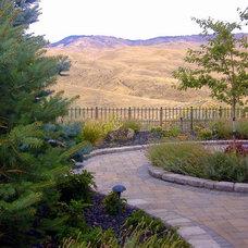 Traditional Landscape by Chuck B. Edwards - Breckon Land Design