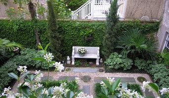Thomas- Levy House Garden
