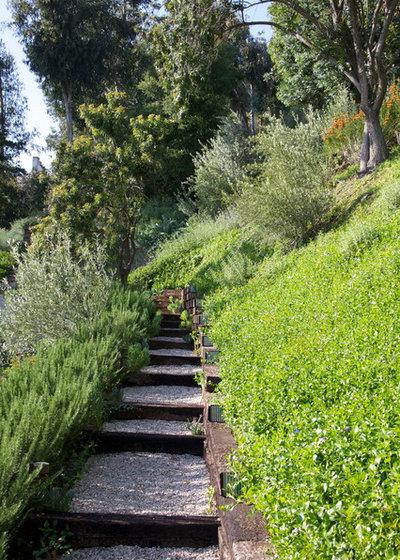 Escaleras de jard n 8 ideas sugerentes para salvar desniveles for Jardines en desnivel
