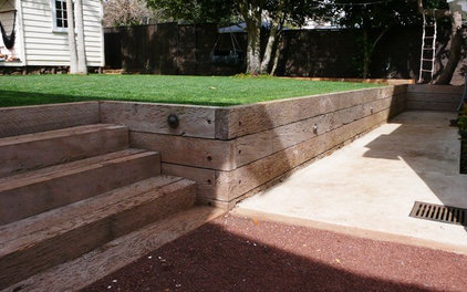 Contemporary Landscape by Natural Gardens Limited