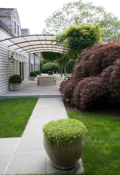 contemporary landscape by Lear & Mahoney Landscape Associates