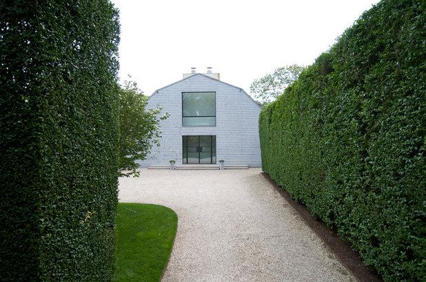 Clásico Jardín by Lear & Mahoney Landscape Associates
