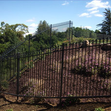 Traditional Landscape by Los Gatos Iron Works Inc.