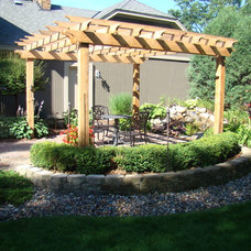 Traditional Landscape by Bachman's Landscape Design - Tom Haugo