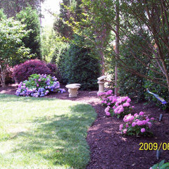 traditional landscape by Grainda Builders, Inc.