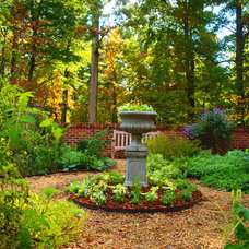 Traditional Landscape by J A L A, Jeff Allen Landscape Architecture