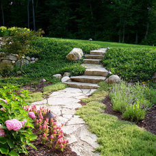 Traditional Landscape by Landscapes Unlimited, Inc.