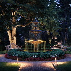 traditional landscape by McKay Landscape Lighting