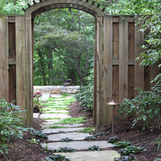 Traditional Landscape by Moody Landscape Architecture