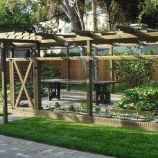 Traditional Landscape by Teich Garden Systems LLC
