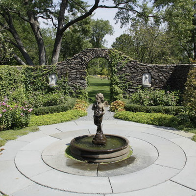 Photo of a traditional water fountain landscape in Chicago.