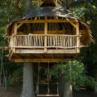 Imagen de jardín exótico con parque infantil