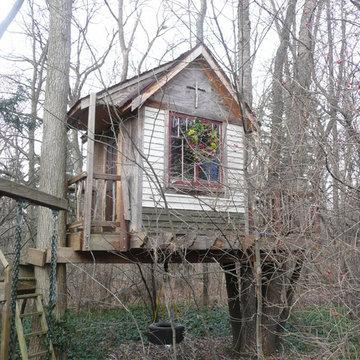 Tree House - S.E. Michigan