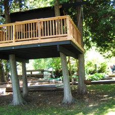 Eclectic Landscape Treehouse - Thornbury, ON